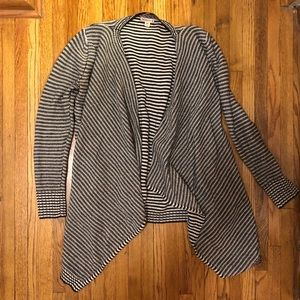 Black and white stripped thick cardigan